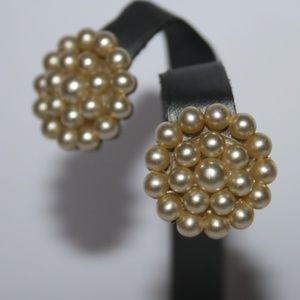 Beautiful vintage silver pearl cluster earrings